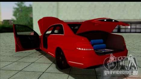 Mercedes-Benz E63 AMG для GTA San Andreas вид сзади