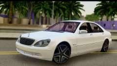 Mercedes-Benz S600 AMG