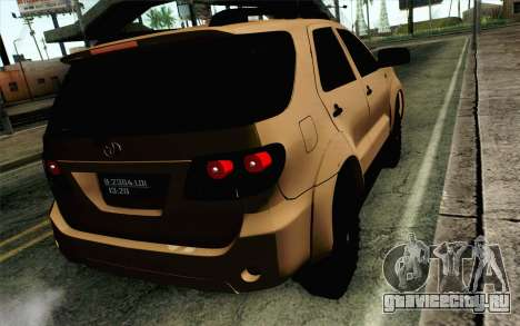 Toyota Fortuner 2014 4x4 Off Road для GTA San Andreas вид слева