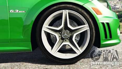 Mercedes-Benz C63 (W204) AMG для GTA 5 вид сзади справа