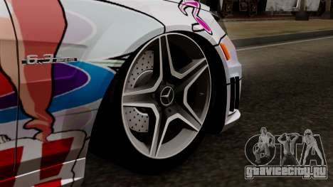 Mercedes-Benz C63 AMG Momoka and Nonoka Itasha для GTA San Andreas вид сзади слева