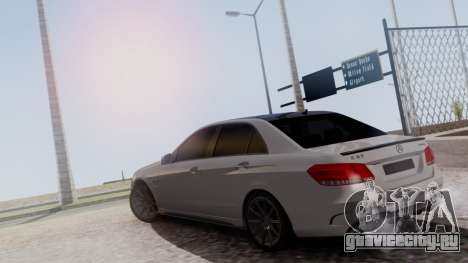 Mercedes-Benz E63 AMG PML Edition для GTA San Andreas вид сзади