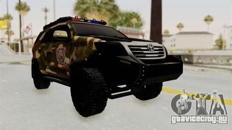 Toyota Fortuner 4WD 2015 Paraguay для GTA San Andreas вид сзади слева
