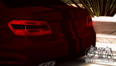 Mercedes-Benz E63 (W212) AMG 2010 для GTA San Andreas вид слева
